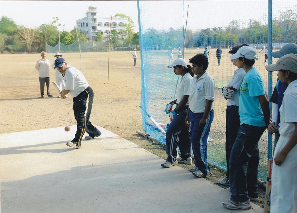Jeyantilal Kenya at MCA giving batting sessions